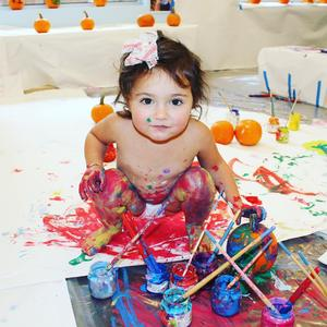 Open Art at Explore + Discover for infants & toddlers and their parents